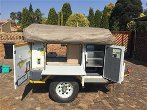 Off road camping trailer with roof tent