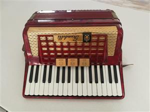Yamaha Portable Grand DGX-620 Keyboard   Junk Mail