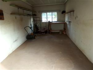 Garage to rent for storage place.