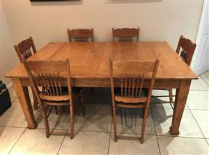 Oak dinning table plus 8 chairs
