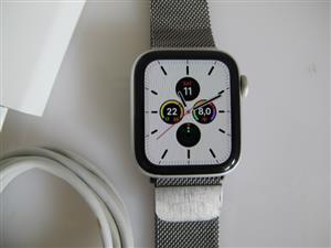 Apple Watch Series 4 GPS 40mm Silver Aluminium Case