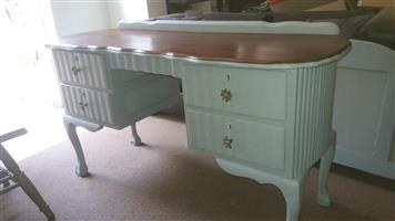 1975 Vintage ball and Claw Dressing Table