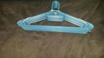 Hangers (10 pack) Plastic Colours