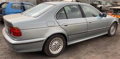 BMW 528i manual E39 Stripping for spares