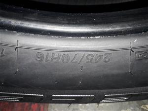 245 / 70 / 16 Bridgestone dueller H / T tyres