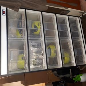 10 drawer racking system INCLUDES jungle and jaguar carpets pythons.