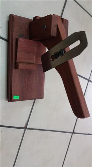 Wooden handheld cutter