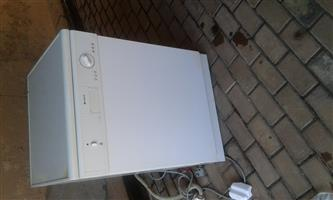 Dishwasher Indesit D4000