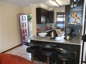 2 Bedroom Flat to Rent in The Willows