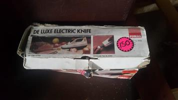 Deluxe electric knife