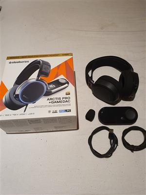 SteelSeries Arctis Pro + Gamedac Headset