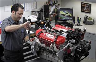 Diesel mechanic training trade test and red seal