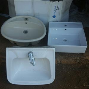 1 oval ceramic bathroom basin