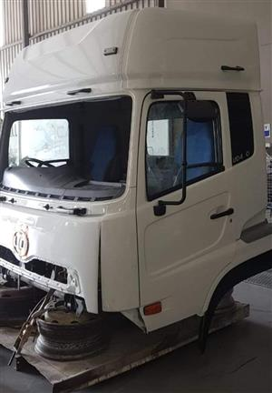 Nissan UD460 Cab