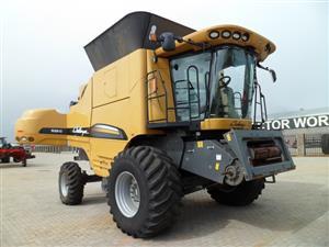 Caterpillar Challenger 520C Combine Harvester
