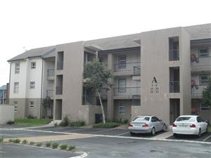 Two Bedroom Apartment in Kraaifontein Central To Let