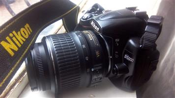 Nikon D5000 urgent sale r2999