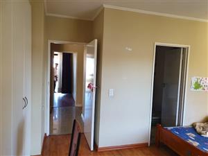 3 Bedroom Apartment To Rent in Island Club Century City