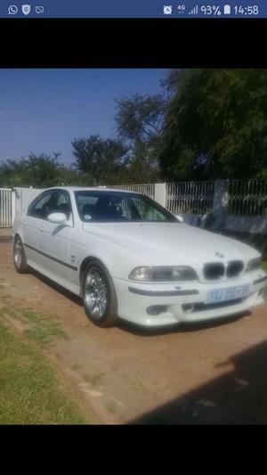 2000 BMW M5 sedan M5 M DCT (F90)