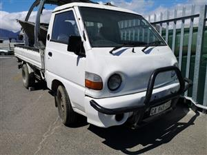 Hyundai H100 body with no engine and gearbox for sale.