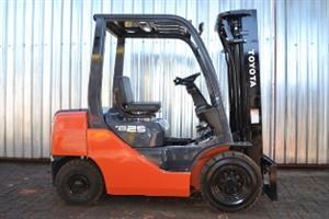 Toyota 8FD25 Forklift For Sale