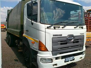 Toyota Hino 700 Waste truck double axle