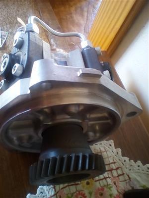 Isuzu FTR860 diesel feel pump