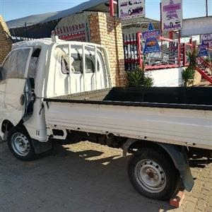 HY015 HYUNDAI H100 2.6 2008 *STRIPPING FOR SPARES*
