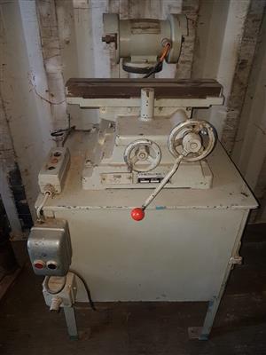 Centre grinder