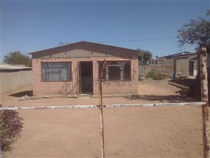 2 bedrooms house available for sale in kanana hammanskraal 10 minutes walk to jubilee mall,hospital,station