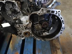 HYUNDAI SANTA FE AUTO GEARBOX FOR SALE USED