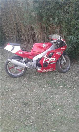 1995 Yamaha FZR