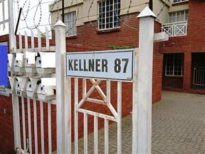2 BEDROOM TOWNHOUSE WITH OFFICE RIGHTS - KELLNER STREET BLOEMFONTEIN