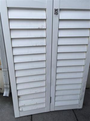 2 Pairs of American shutter louvered doors - price is for both pairs as a set