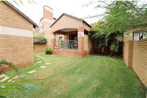 Three Bedroom Townhouse To Let in Bush Willow, Mooikloof Ridge