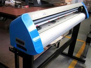 V3-1313 V-Smart Contour Cutting Vinyl Cutter 1310mm Working Area, plus FlexiSIGN Software