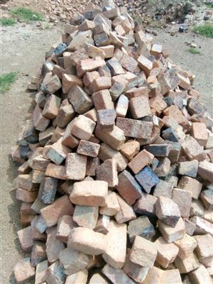Red and black clay half and full bricks for sale