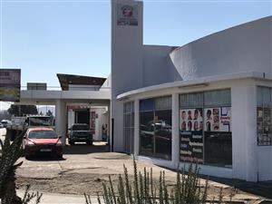 Retail space to-let