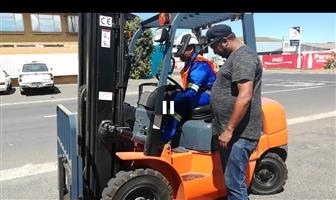 Forklift Training R800 for 5 days