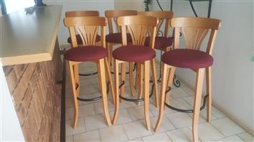 6 Oak Barstools for sale!!