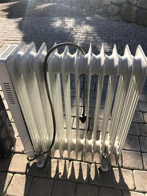 Delonghi Electric Oil Heater 10 fin