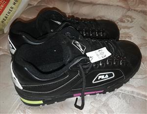 Brand New Ladies Fila Takkies Size 8