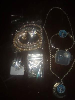 Selling jewelry
