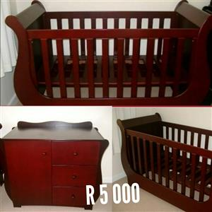 Sleigh cot with dresser