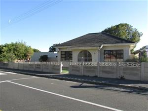AVONDALE HOME: BEST-LOCATION: SCHOOLS, SHOPPING MALL, TRANSPORT, GYM, SHOPS