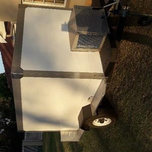 Brand new refrigerated trailer 2 ton all working order brand new tyres size 2.3x1.7x1.5 high