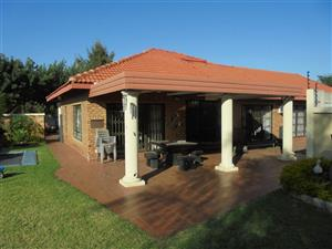 4 Bed House in Zwartkop