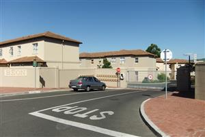 Protea Heights, Brackenfell - 3 Bedroom Duplex Townhouse - Garage and Parking