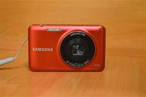 Samsung ES95 Digital Camera in Box