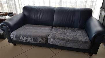 Lounge Suite: FOR SALE
